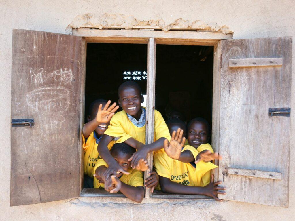 uganda otroci